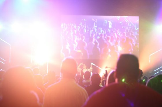 6 new trends in event lighting to make your stage sparkle